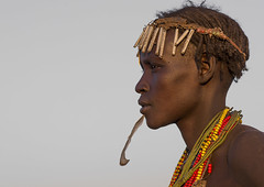 Dassanech Tribe Woman With A Feather In The Chin, Omorate, Omo Valley, Ethiopia (Eric Lafforgue) Tags: africa portrait people woman horizontal outdoors women day exterior adult african profile feather tribal blackpeople bead ethiopia tribe chin anthropology oneperson headdress headwear hornofafrica ethiopian nomadic onepersononly traditionalclothing beadednecklace onewomanonly colorpicture omorate africanethnicity 1people indigenousculture geleb africanculture onlywomen dassanech colourpicture dassanetch omotic daasanach daasanech oneadultonly dassanach blackethnicity ethiopianomovalley ethio1403338