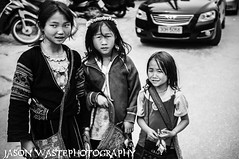 _DSC8148 (Jason WastePhotography) Tags: street nature girl photography cola market monk coke vert vietnam wait asie coca sapa vagetable