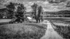 Larue County Farm (Bob G. Bell) Tags: road leica summer house abandoned clouds farmhouse farm kentucky ky ginseng hodgenville laruecounty bobbell oncewashome