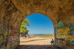 El descanso (carlosolmedillas) Tags: descanso tunel paisaje landscape playa beach relax costa coast espaa spain