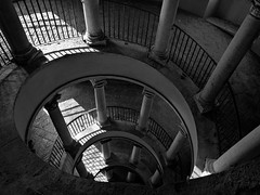 Bramante Staircase, Rome (1505) (geefcee) Tags: stair staircase spiral