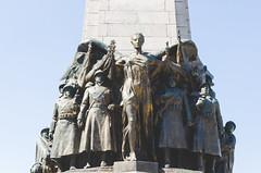 Monument a la Gloire de l'Infanterie Belge (Jaime Prez) Tags: brussels sculpture monument statue belgium monumento bruxelles escultura bruselas monolith estatua monolito blgica