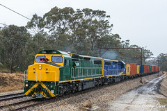 Mount Victoria Monsoon (Henrys Railway Gallery) Tags: c509 c507 cclass emd diesel clyde kelso ssr southernshorthaulrailroad 1845 kelsologtrain containertrain emptycontainertrain freighttrain emptyfreighttrain mountvictoria nsw bluemountains stanchions westernnsw