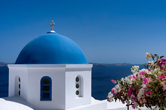 Santorini Church (Mustang Joe) Tags: cruise free nikon publicdomain costa mediterranean eastern d750 2016 ia egeo greece gr santorini oia church dome blue flowers ocean water sunny