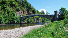 Craigellachie Bridge (diminji (Chris)) Tags: bridges scotland lovescotland spey riverspey craigellachie bridge craigellachiebridge