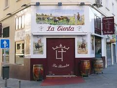 Azulejos. Taberna La Tienta (Madrid) (Juan Alcor) Tags: azulejos taberna latienta madrid cmespantaleon