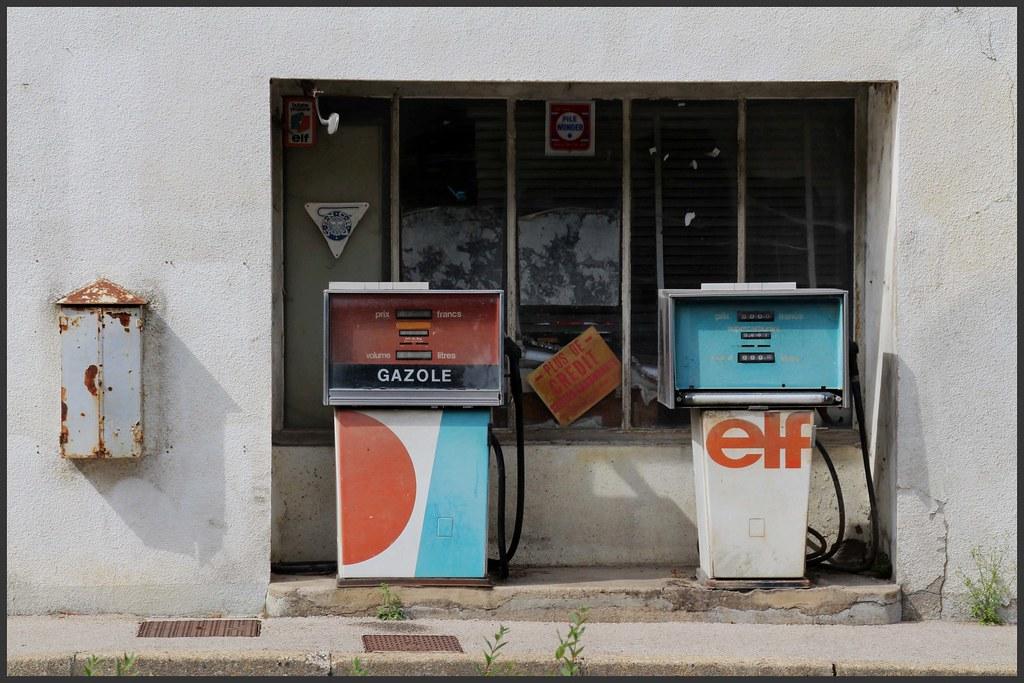 The world 39 s best photos of essence and pompe flickr hive mind - Deco pompe a essence vintage ...