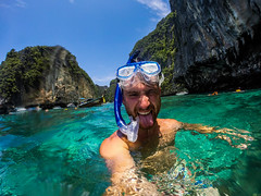 Im sorry, but I need to share this selfie paradise. (marcosborsatto) Tags: dive snorkel snorkeling thai thailand asia southeastasia underwater gopro blue colours turtle fish clowfish nemo diving