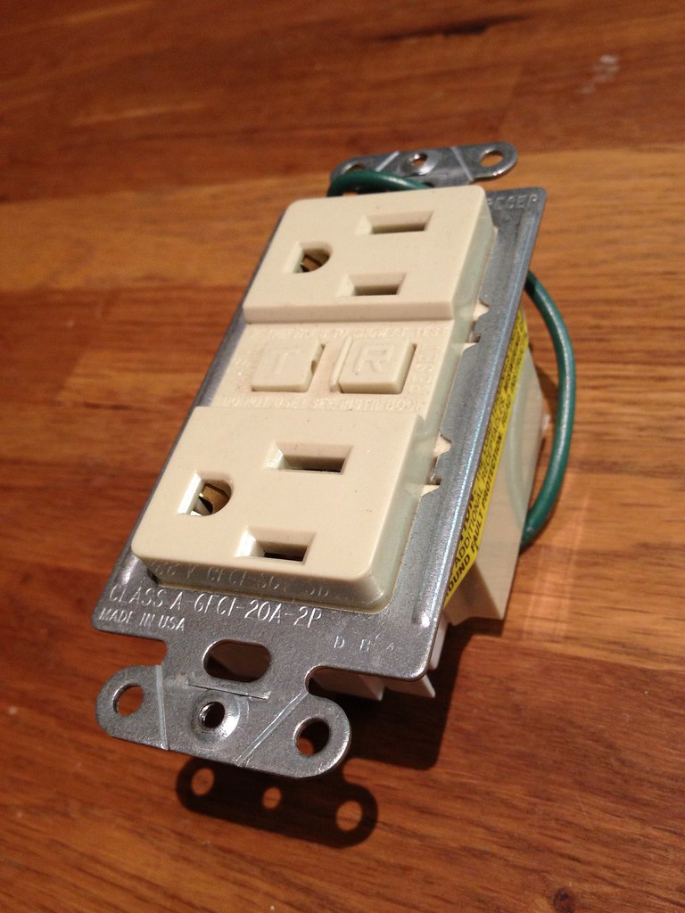 202051145 besides NT moreover Leviton Almond Decora Dimmer Switch Stepped Fan Speed 352018648766 likewise Danish Modern Two Ceramic And Teak L s 1950s Leviton 4fbf5bf95968f1aa additionally 455213. on leviton catalog