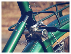 AUTOMOTO PORTEUR (kick-my-pan) Tags: old france bike bicycle vintage french meeting collection tandem bicyclette ta vlo collector vieux ancien selle racebike stronglight cyclotourisme campagnolo simplex vintagebicycle courserace soubitez randonneuse mafac maxicar bikebicycle automoto cyclosportif frenchbicycle classicbicycle idale cyclocamping lecyclo vloporteur lapatrimoine brooksmaillard porteurancienvlo vloold