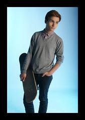 Armel N°3 (carla.photographie37) Tags: studio spot bleu skate rider blanc fond homme mobilité 2014 thème gélatine bacphoto