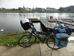 trekking bike (Kitty Terwolbeck) Tags: netherlands bike bicycle trekking river riverside belgium border pont maas riverbank agu limburg fiets grens eijsden rivier koga lanaye oever kogamiyata rivieroever trekkingbike trekkingfiets agusport globetraveller