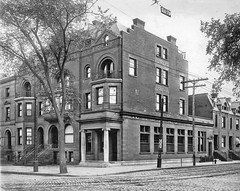 Washington Avenue and Lark Stree 1917 Park Branch of the union tust co. (albany group archive) Tags: albany ny washington avenue lark stree 1917 union trust bank oldalbany history early 1900s old vintage photos historic historical photographs