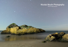 Twins (Nicolas Moulin (Nimou)) Tags: paisajes moon seascape night lune stars noche landscapes spain nightshot luna estrellas nocturna nuit nocturne paysages roca toiles polaris tamarit tarragonna paisajemaritimo