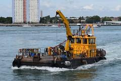 Voe III Baker Trayte Marine Workboat (graham19492000) Tags: portsmouth camberdock voeiii workboat voe iii bakertraytemarine