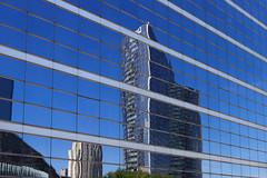 Line (StephanExposE) Tags: paris france building canon architechture ladefense moderne reflet reflect iledefrance batiment 1635mm 600d 1635mmf28liiusm stephanexpose