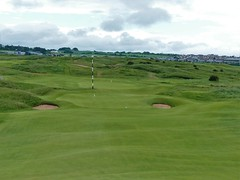 Royal Portrush Dunluce #15 x downhill approach 500 (tewiespix) Tags: ireland golfcourse northernireland portrush golfclub dunluce royalportrush