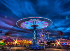 YoYo Spins As Big Wheel Looks On Salem Fair (Terry Aldhizer) Tags: terryaldhizercom yoyo giant wheel salem fair deggeller attractions virginia midway twilight evening terry aldhizer wwwterryaldhizercom
