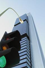 A ltima hora... (XXI) (@chemamunozrosa) Tags: arquitectura madrid edificios farolas