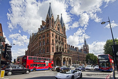 "St. Pancras Station • <a style=""font-size:0.8em;"" href=""http://www.flickr.com/photos/45090765@N05/28623596261/"" target=""_blank"">View on Flickr</a>"