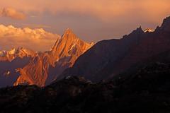 Baintha: Alpenglow on Bakhor Das Peak (Shahid Durrani) Tags: biafo glacier karakorams gilgit baltistan pakistan