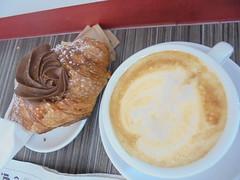 052 (en-ri) Tags: brioche nutella sony sonysti cappuccino