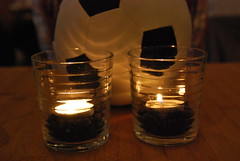 DSC_0388 (Ball ksst Rasen) Tags: fusball licht kerze light candle soccer football
