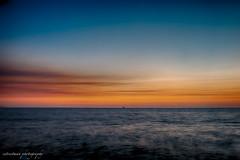 Barco distante (E STREET MAN) Tags: barco ship vallarta mexico jalisco fujifilm x20 paisaje landscape atardecer sunset sea mar