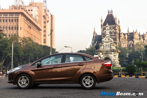 2015-Ford-Fiesta-Long-Term-02