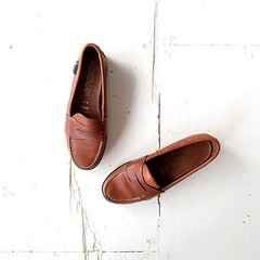 1980s brown leather Eastland penny loafers (Small Earth Vintage) Tags: 80s 1980s madeinusa eastland loafers pennyloafers brownleather vintagefashion vintageshoes vintageaccessories smallearthvintage