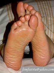 Repost325_Large (femfeet4u) Tags: feet female fetish asian foot japanese toes toe bare heels heel sole wrinkles soles wrinkle