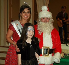 Saorla Meenagh with Santa and Maria Walsh