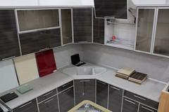 Витрина. Кухня с алюминиевыми фасадами
