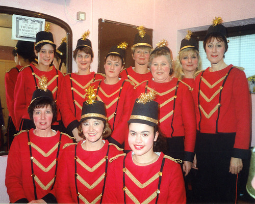1995 Humpty Dumpty 05 (back from left Lindsey Hill, Sally Capp, x,Debbie Woodhouse, Rita Hampton,American lady,Linda Ellis, front Pauline Milner,Denise Boyes,Kathy Allan)