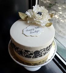 Stenciled Peony Cake (Sasabeth) Tags: stencil peony gumpaste sugarflowers blackandwhitecake gumpastepeony stenciledcake