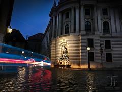 Into the Night (Thomas TRENZ) Tags: vienna wien leica city longexposure lightpainting night austria sterreich nacht stadt oo p9 hofburg huawei michaelerplatz trenz smartphonephoto cityexplore thomastrenz huaweip9 shotwithhuawei