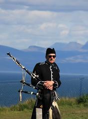 nice guys on Skye: a kilted bagpiper at Kilt Rock (Christopher DunstanBurgh) Tags: isleofskye kilt bagpipes dudelsack