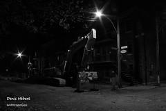 Repos (Denis Hbert) Tags: denishbert anthropogeo faubourgmlasse centresud montreal montral qubec quebec canada 2015 monochrome montrealnight montrealcentresudnight montrealfaubourgmlassenight ngc newtopographer newtopographics newtopographic noiretblanc nuitcentresud nuitfaubourgmlasse nuitmontreal nuit night noir november novembre canon fondnoir bw blackandwhite blackwhite black ville city extrieur automne steet shadowy shadows shadow signs darkandlight fall larivire placedufresne ombrage ombre urban urbaine urbain calme rue street tranquilit quiet