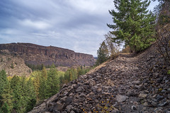 Old Wagon Road Trail (writing with light 2422 [NOT PRO]) Tags: grant washingtonstate oldwagonroadtrail hikingtrail butte landscape richborder sonya77