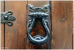 Picaporta (Rafel Miro) Tags: aldaba catalonia catalunya door forja handle knocker latch picaporta porta portadefusta puerta puertademadera talamanca wooddoor wroughtiron esp