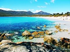 Wineglass bay beach - Tasmania - Australia (pacoalfonso) Tags: pacoalfonsocom travel australia tasmania wineglass beach bay rock formation