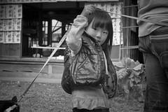 Little girl (harumichi otani) Tags: bw monochrome streetphotography bwphotography japanphotography japanstreetphotography japanbwphotography