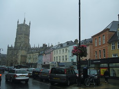 Cirencester 2 (D. S. Hałas) Tags: uk greatbritain england building tower church architecture square market unitedkingdom gloucestershire marketplace anglican cirencester churchofengland halas churchofstjohnthebaptist unitedkingdomofgreatbritainandnorthernireland hałas