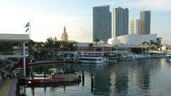 Miami: Bayside Market, American Airlines Arena & Freedom Tower (Traveller-Reini) Tags: city usa america florida miami atlantic eastcoast