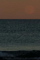 2016-07-19 Moonrise at Beach (79) (Paul-W) Tags: ocean blue sunset sky seagulls water clouds sand surf waves purple wells moonrise ogunquit 2016 northogunquitbeach