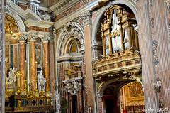 Interieur de l'église Grande Trinité (Gesu Nuovo) (La Pom ) Tags: city italy church grande italia couleurs religion napoli naples eglise italie ville trinité gesu nuovo chritianisme