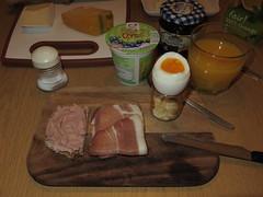 Kalbsleberwurst und Rauchfleisch auf Roggenbrot zu Frhstcksei (multipel_bleiben) Tags: essen frhstck wurst
