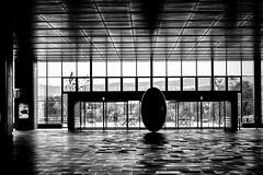 Cosmos (www.danbouteiller.com) Tags: japan japon japonia asahikawa hokkaido station gare hall egg oeuf sculpture art artist mono monochrome monochromatic black white noir blanc nb bw noiretblanc blackandwhite blackwhite canon canon550d 550d 50mm 50mm14 eos