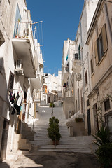 IMG_7752 (jaglazier) Tags: 19thcentury 19thcenturyad 2016 8216 apulia architecture august balconies buildings cittabianca cityscapes copyright2016jamesaglazier hilltowns houses italy ostuni stairs urbanism whitecity cities staircases stairways stonebuildings streets streetscapes whitewash whitewashed puglia