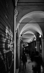 Portici (Giovanni Flamini (JoBro)) Tags: street italy white black night photo nikon strada italia foto flash centro picture sigma bologna writer tamron portici bianco nero notte immagine scritte d90 jobro